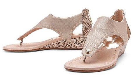 Naples Women's Shoe Stores, Shoe stores in Naples, Women Shoe store Naples, Naples Shoe boutiques, Naples Boutiques, Women's gifts in Naples, Naples Fine shoe stores, Naples designer shoes, Naples FL Designer Shoes