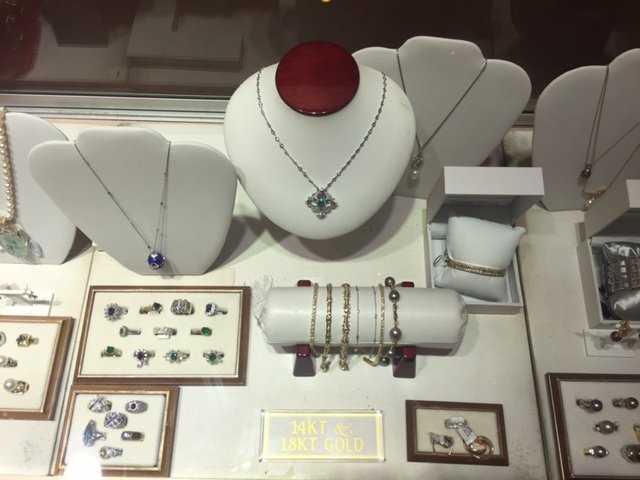 Naples Jewelry Stores, Naples FL Jewelry stores, Custom Made Jewelry in Naples FL, Naples Custom Jewelry, Jewelry stores in Naples FL, Naples Jewelry Repair, Naples FL Jewelers, Naples Jewelry designers, Naples Custom Jewelry