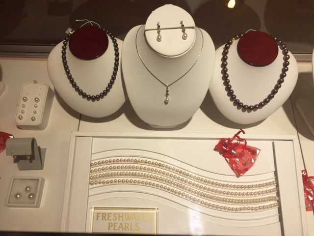 Naples Jewelry Stores, Naples FL Jewelry stores, Custom Made Jewelry in Naples FL, Naples Custom Jewelry, Jewelry stores in Naples FL, Naples Jewelry Repair, Naples FL Jewelers, Naples Jewelry designers, Naples Custom Jewelry